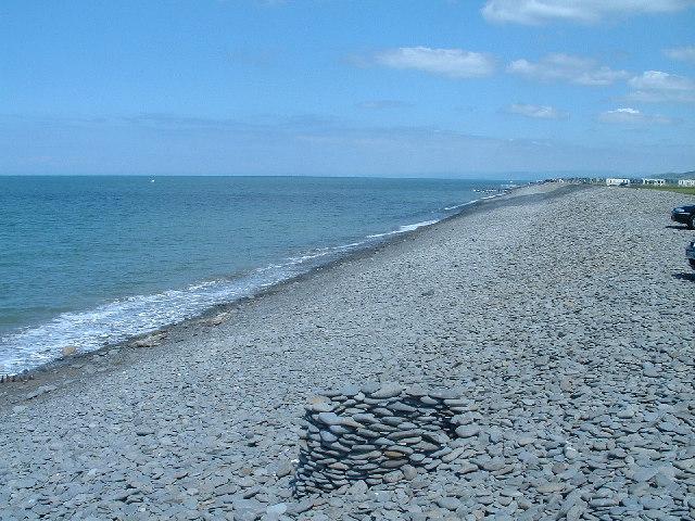 Cardigan Bay Beach scene