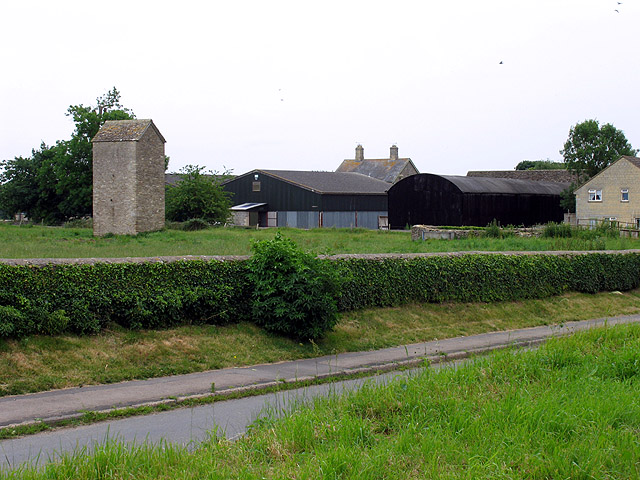 Disused Water Tower: Fairford