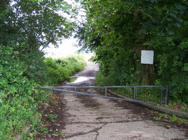 Old Access road to Defford airfield