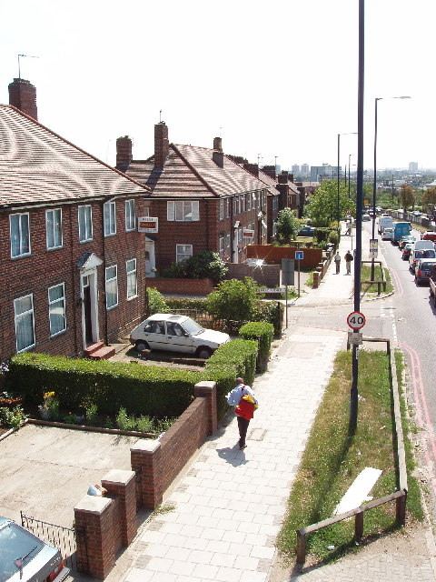 Western Avenue houses, between Gypsy Corner and East Acton