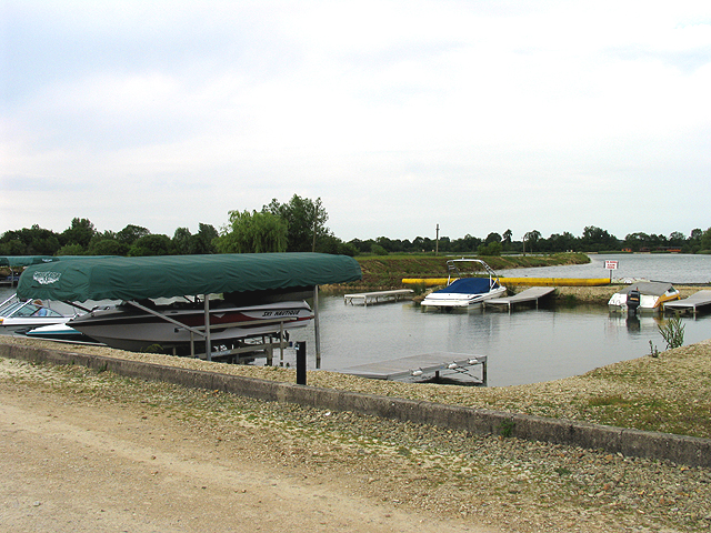 Ski School at Cotswold Water Park