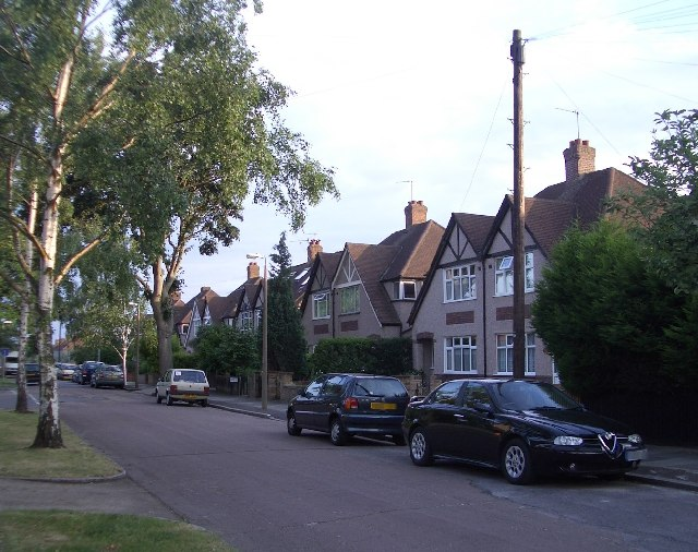 "30s Houses on ""Whitton Park"""