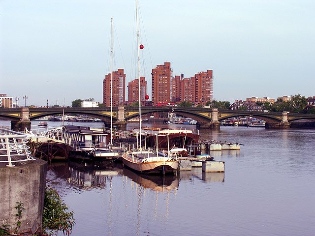 Battersea Bridge and Modern Apartments
