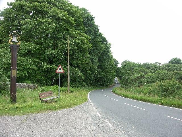B8000 near entrance to Tighnabruaich Cemetery
