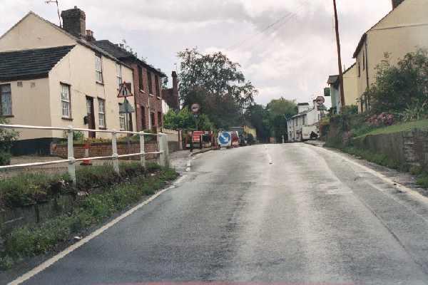 B1004 at Widford