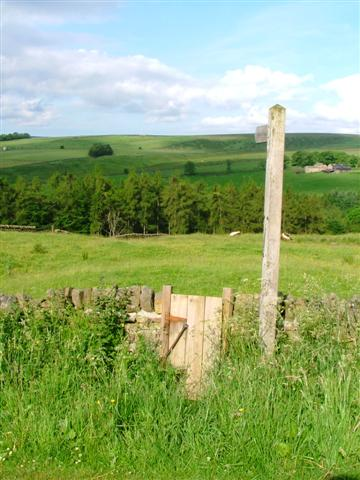 Footpath Gate and Sign, Hudes Hope
