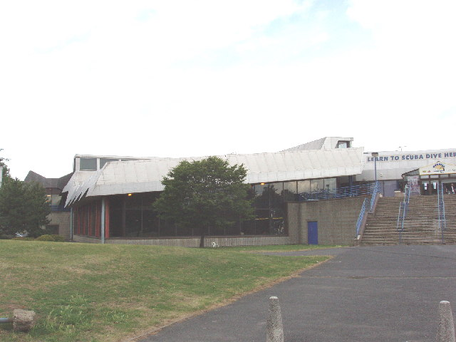 Gurnell Swimming Pool, Ealing