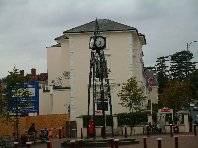 Millennium clock, Grosvenor Road, Tunbridge Wells