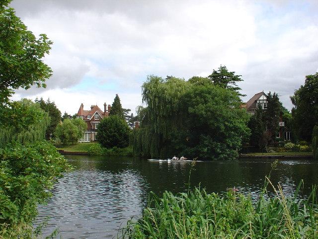 The Thames between Sunbury and Hampton