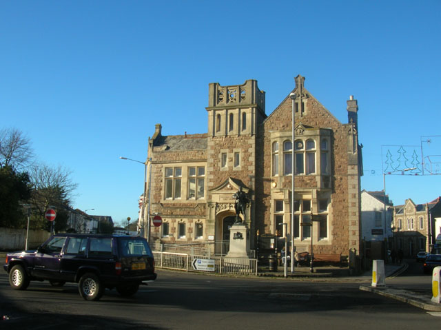 Camborne Library And Richard Trevithick Statue