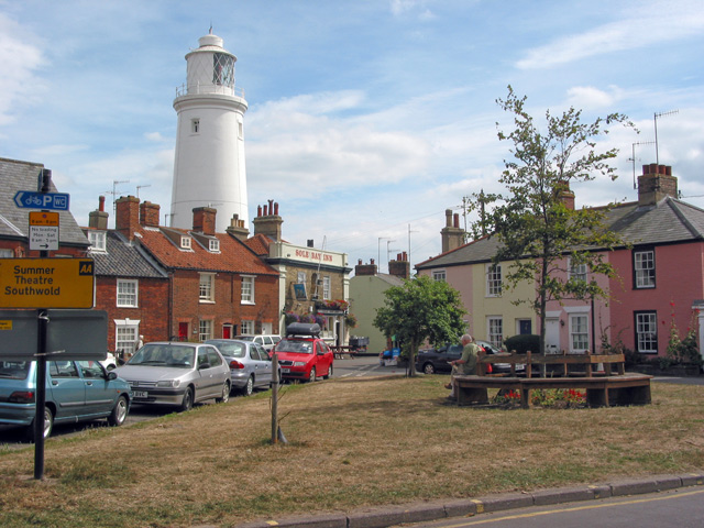 Southwold Lighthouse behind Sole Bay Inn