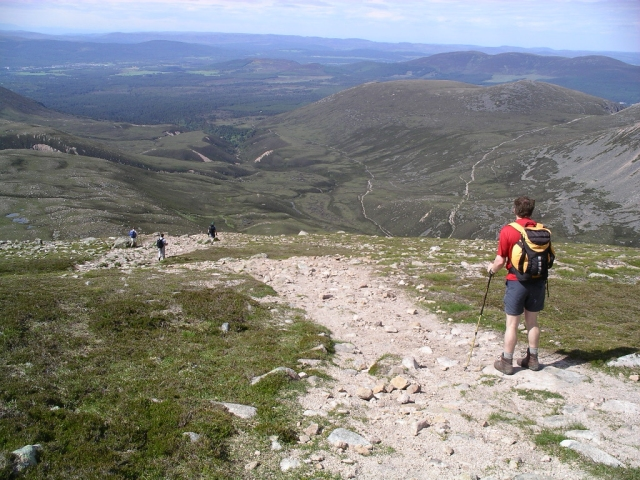 Path from Braeriach to the Lairig Ghru