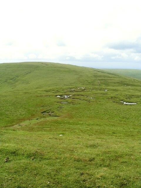 Path from Pen y Gadair Fawr to Waun Fach