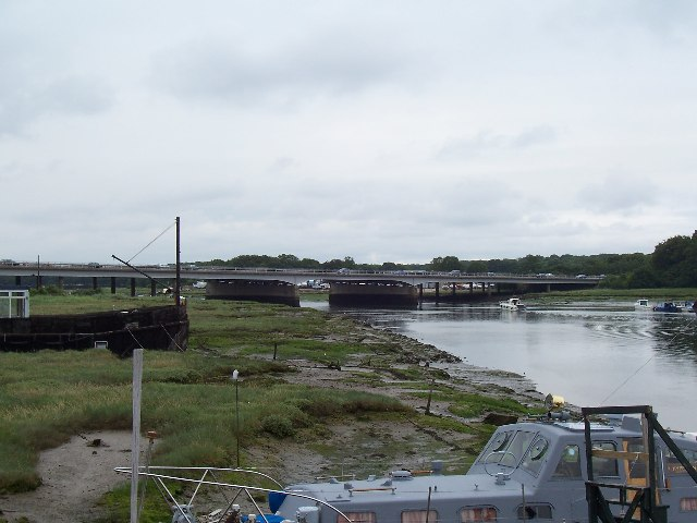 River Hamble and M27 road bridge