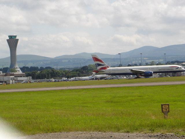New control tower and runway Edinburgh Airport