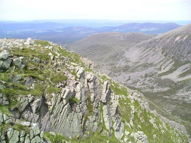 Lairig Ghru crags