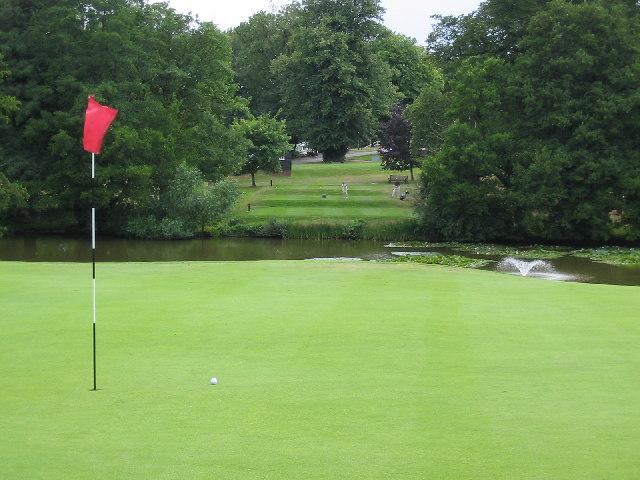 Calcot Park Golf Club, Lake