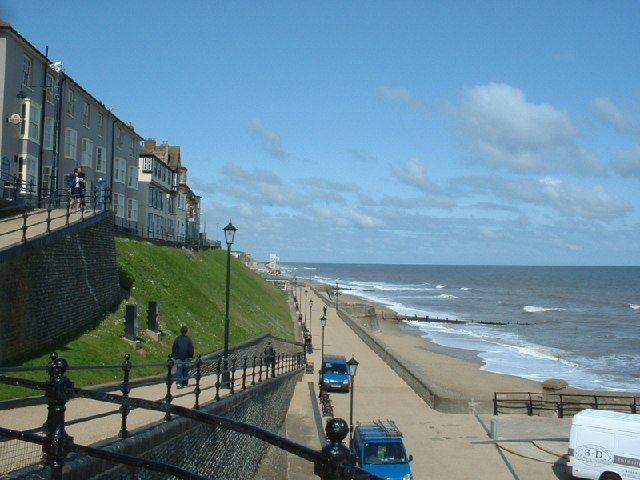 Cromer, looking West