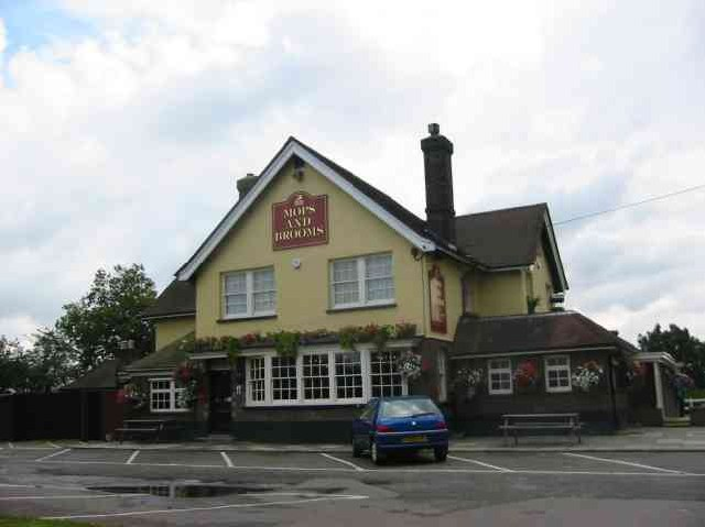 Pub in Well End