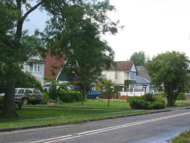 Houses in Well End