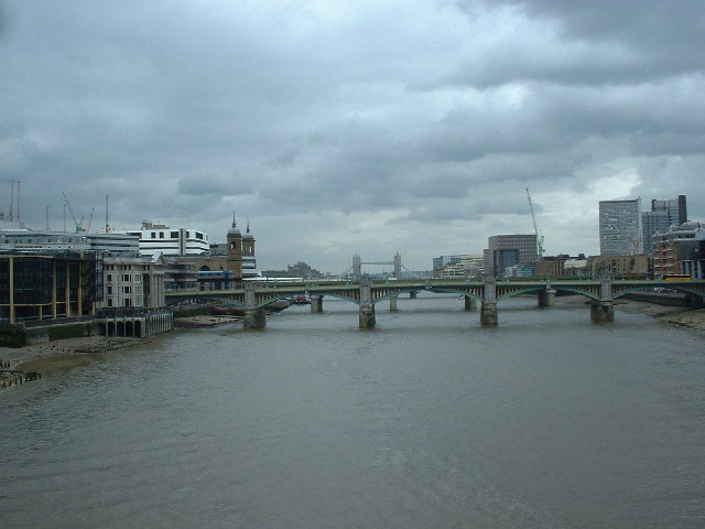 River Thames, looking downstream from Millennium Bridge