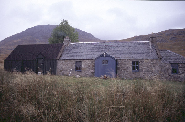 Ben Alder Cottage, Autumn 2003