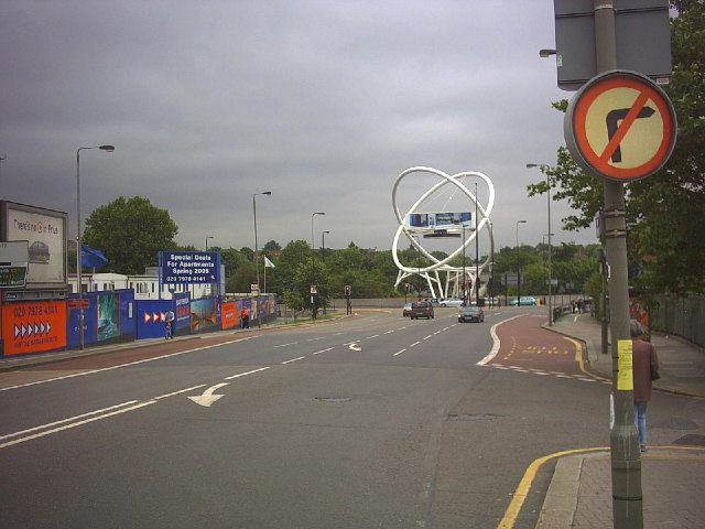 Roundabout south of Wandsworth Bridge.