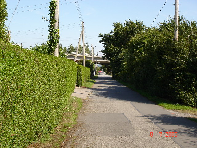Lane under the A525