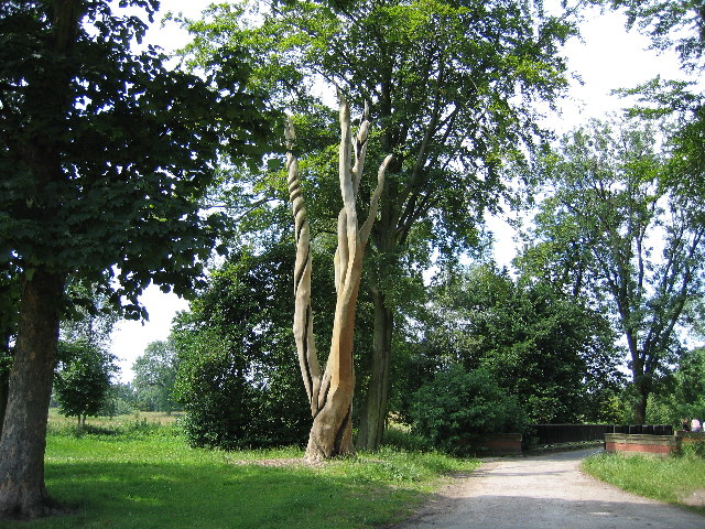 Tree Sculpture, Haslam Park, Ashton