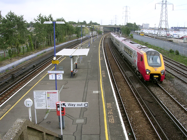 Millbrook railway station, Southampton