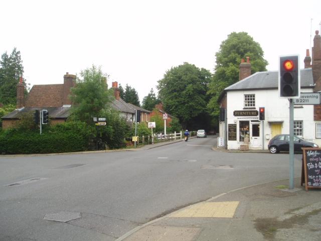 Cross roads on the A25 at Sundridge