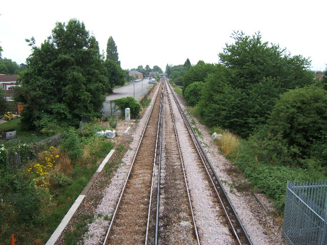 Railway line at West Ewell looking south.
