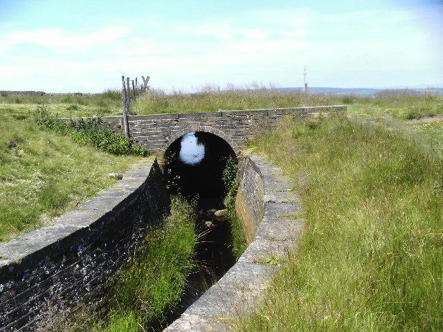 Reservoir conduit round Oxenhope Moor