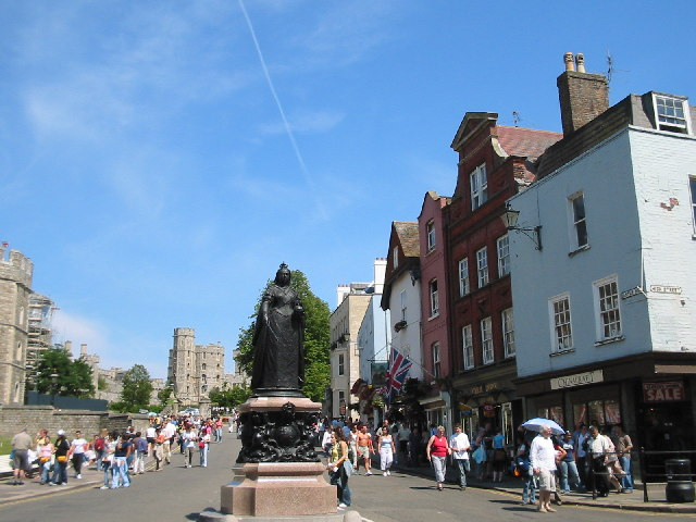Castle Hill and Queen Victoria Statue, Windsor