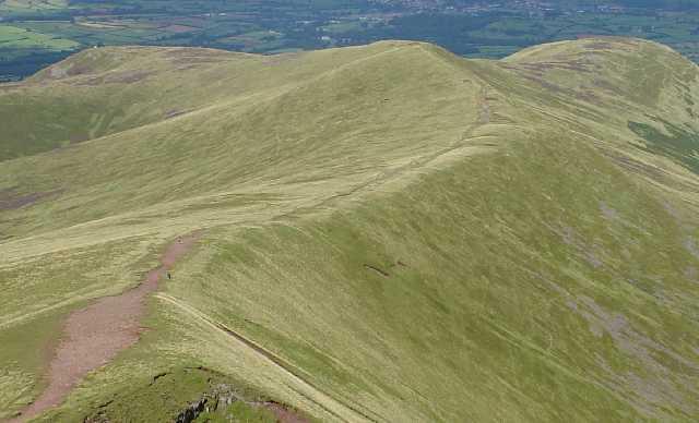 Cefn Cwm Llwch. A Grassy Ridge leading NNE from Pen y Fan Summit