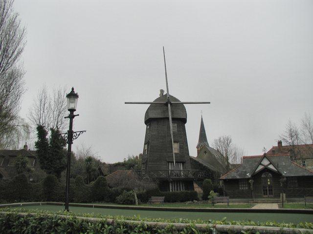 Windmill & Bowling Green at Wraysbury