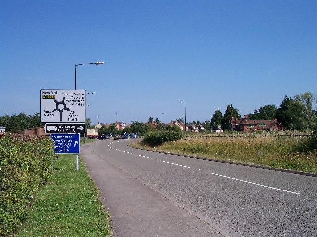 The Full Pitcher Roundabout, Ledbury South