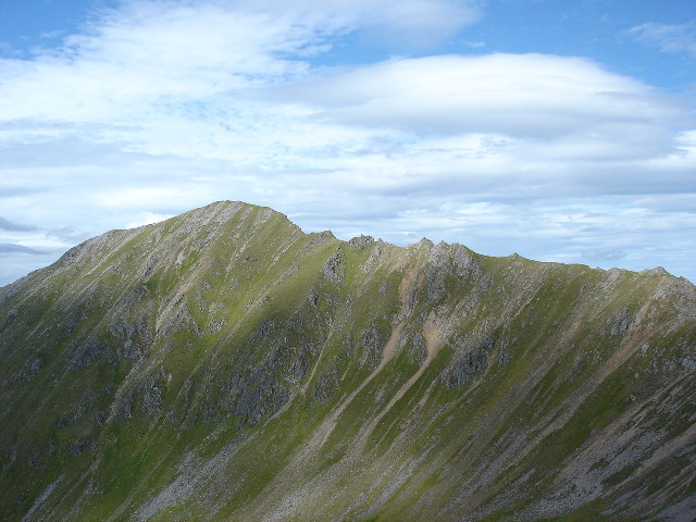 Ridge leading to summit of Mullach Fraoch-choire