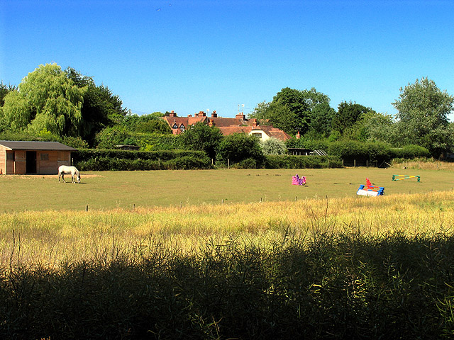 Whitchurch Hill: Farmland and Residences