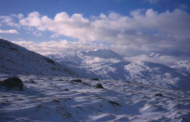Beinn Mhic Mhonaidh from the north ridge of Meall Tairbh.