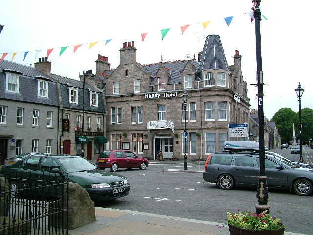 Huntly Hotel in Town Square