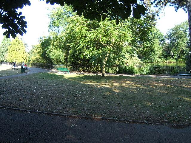 Lake at Ewell Court