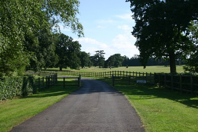 Hardwick Manor drive and parkland