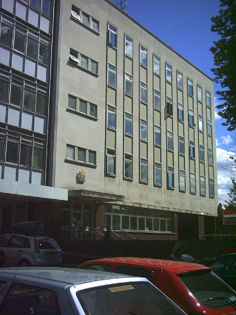 Balham Youth Court, Balham High Road (A24).