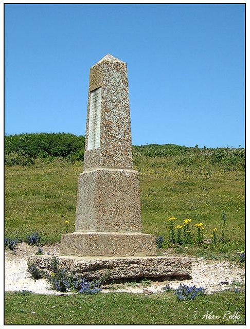 Michel Dean monument