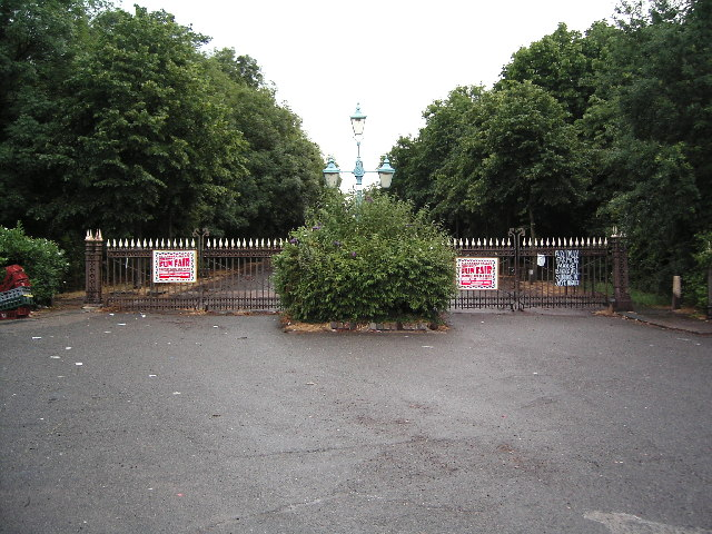 SW Entrance to Alexandra Park