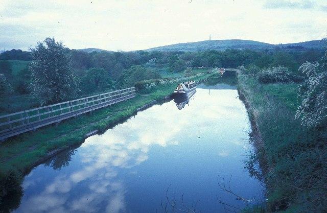 The Macclesfield Canal below Bosley locks