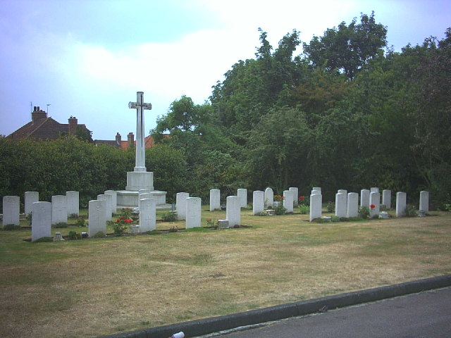 War Memorial and WW2 Military Graves, Croydon Cemetery.