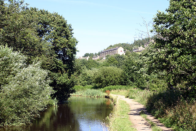 Huddersfield Narrow Canal near Lockwood