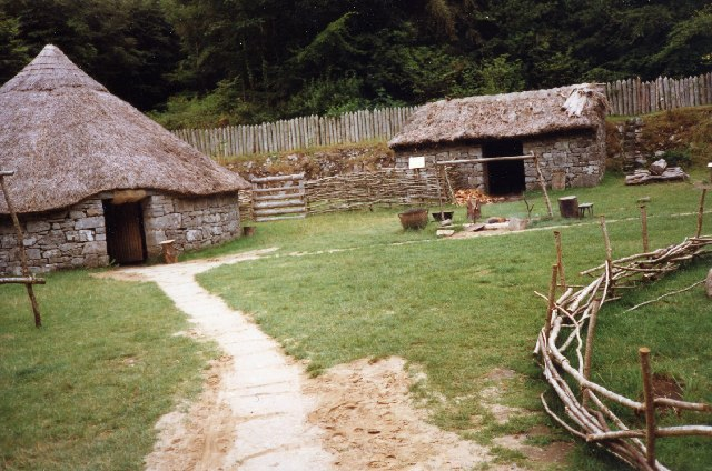 Bronze Age huts at Craggaunowen